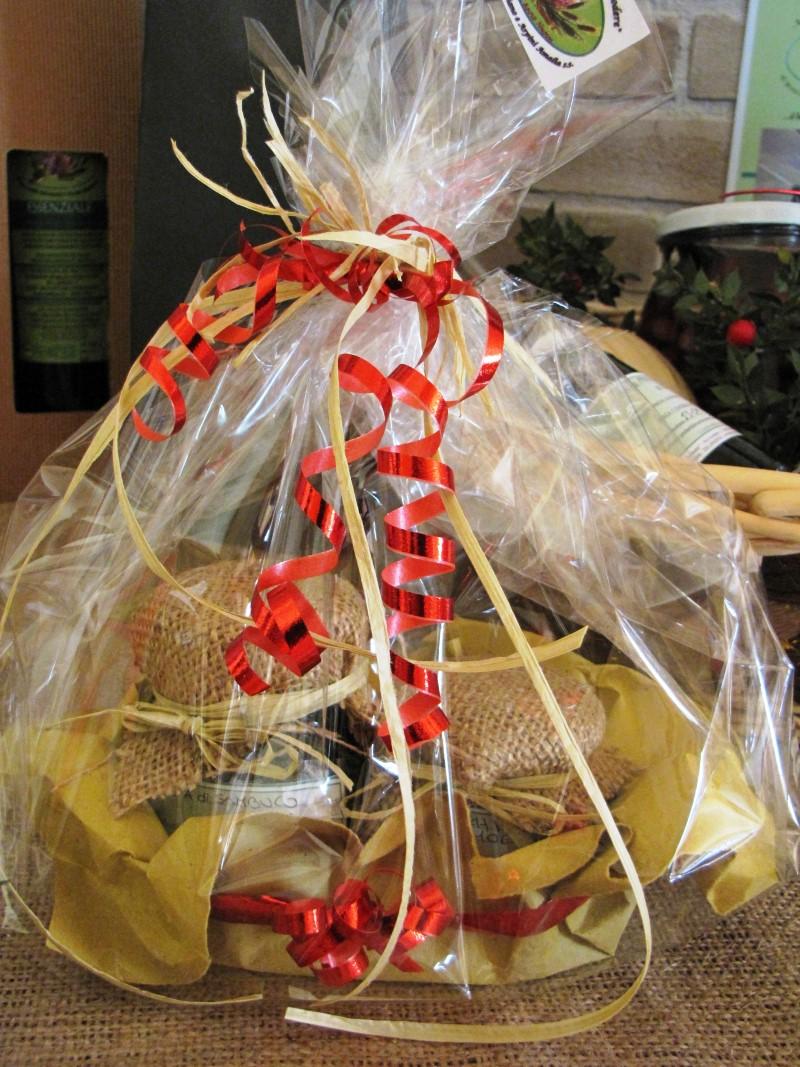 Confezioni Piante Natalizie : Cesti natalizi macerata tolentino belforte caldarola